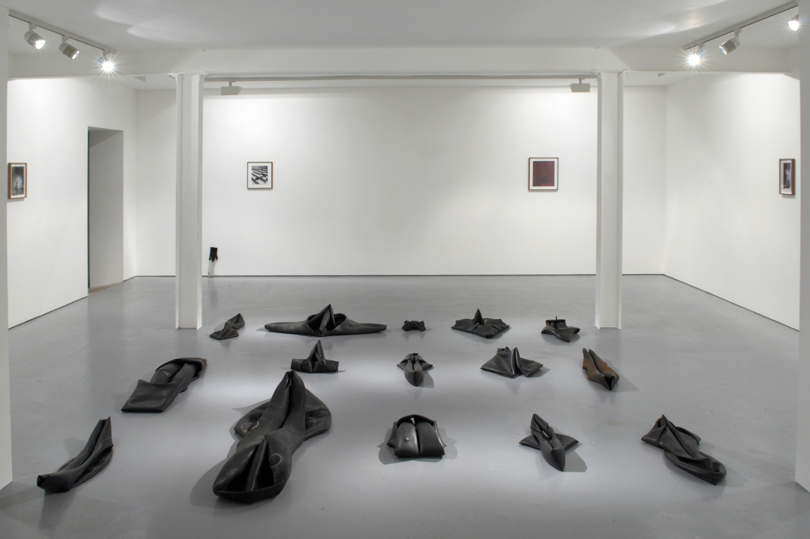 Installation view. In Apertura , Martin Soto Climent, Raphael Danke, Jennifer West